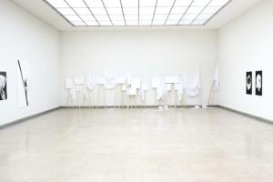 http://www.huberhuber.com/files/gimgs/th-17_17_installationsansicht-oberlichtsaal-2stock-handhabungen-f9fr-die-andere-seite2.jpg